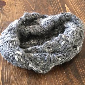 🦅AEO - NWOT - Infinity Knit Cowel/Scarf - Grey